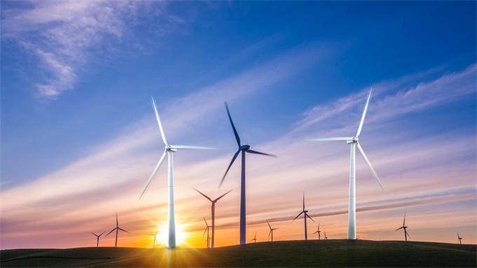 日本将在荒田以及山区开发太阳能和风力发电厂 还计划建设80公里宽的电网