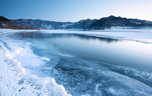 地球大陆最深点在南极发现!冰冻峡谷深度可达海平面下3500米