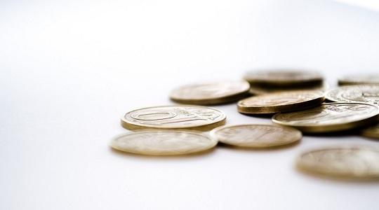 富人更富?全球前500富豪今年财富增加25% 总共赚了1.2万亿美元