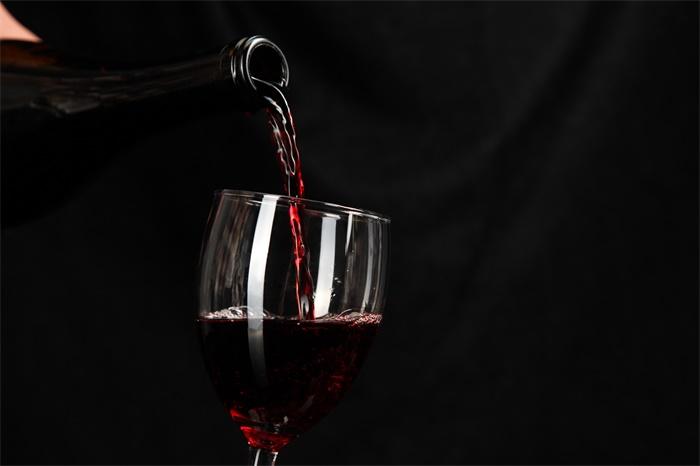 美国女性酒精致死率急剧上升 酒精对女性的伤害往往大于男性