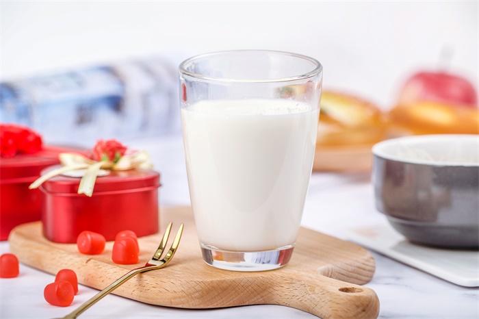 喝脱脂牛奶有助于缓解衰老 可将寿命延长4.5岁