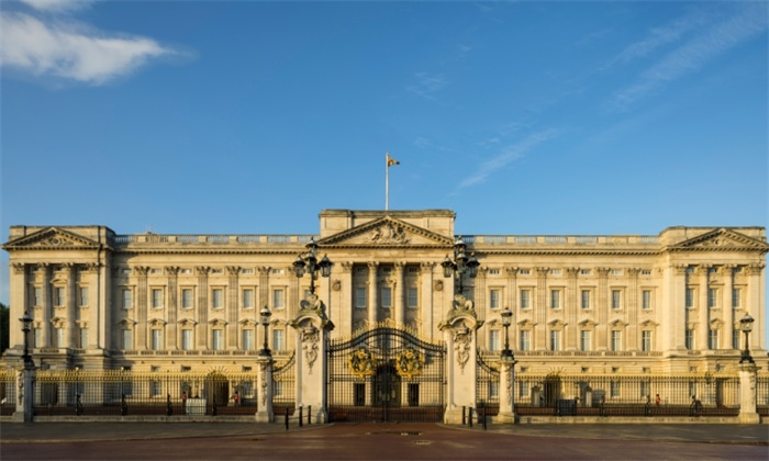 开始新生活!白金汉宫:哈里放弃王室头衔 不再获得王室资金
