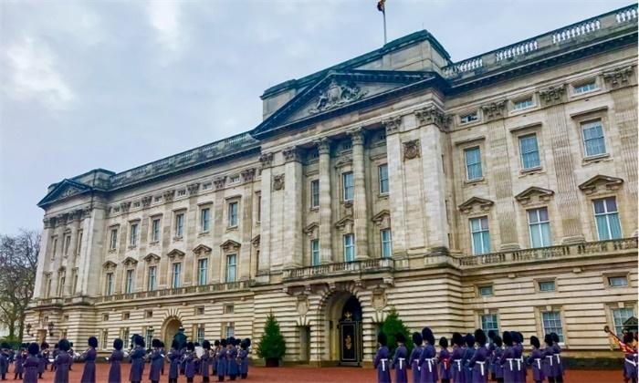 """要还纳税人240万英镑!哈里王子回应退出王室:难过但""""并不草率"""""""