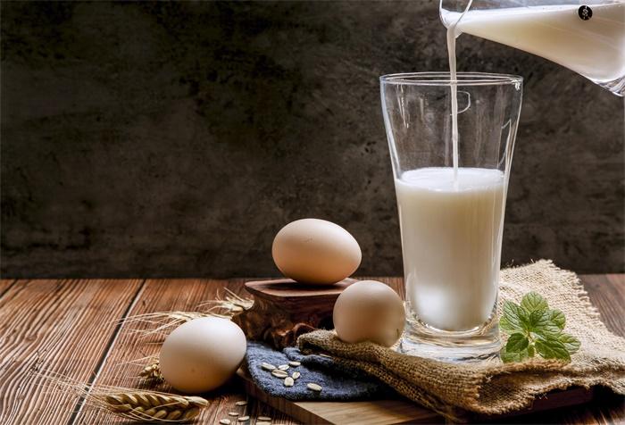 没毛病!张文宏回应为何孩子早餐不能喝粥:抗体要靠蛋白质生成