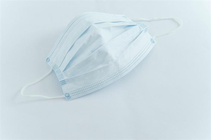 美国一州议员拒戴口罩被罢免,本月第二个不愿戴口罩的议员