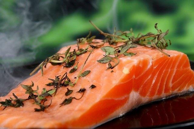 有隐患!曾光建议民众暂不要生食三文鱼:不确定是被人传播,还是其他情况