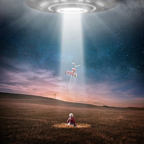 真有?美国成立特别小组调查UFO现象,今年4月首次正式公布三段UFO视频