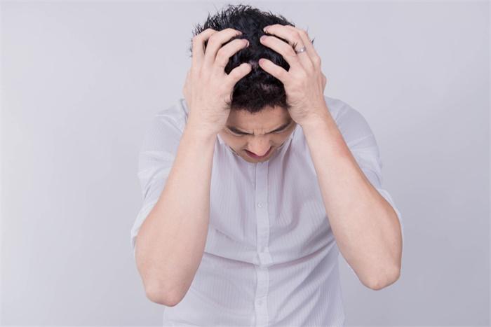 """钟南山呼吁新冠救治重视心理健康 美国近一半家长表示""""压力山大"""""""