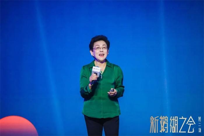 原光明乳业董事长王佳芬:没有疲软的市场,只有疲软的产品