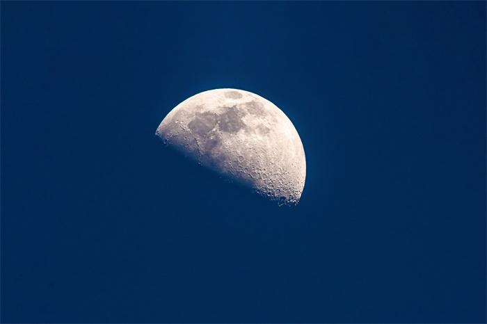 """太空""""刹车""""!嫦娥五号顺利进入环月轨道 后续还需开展一次近月制动"""