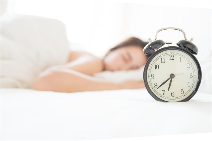 """你每天睡的床有多脏?微生物学家:可能是一个充满细菌的""""培养皿"""""""