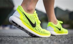 2020年中国运动鞋服行业市场现状及发展趋势分析 功能性产品将成为企业竞争关键