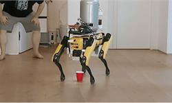 """惡趣味!外國網友訓練波士頓動力機器狗Spot學會""""撒尿"""" 給自己倒啤酒喝"""