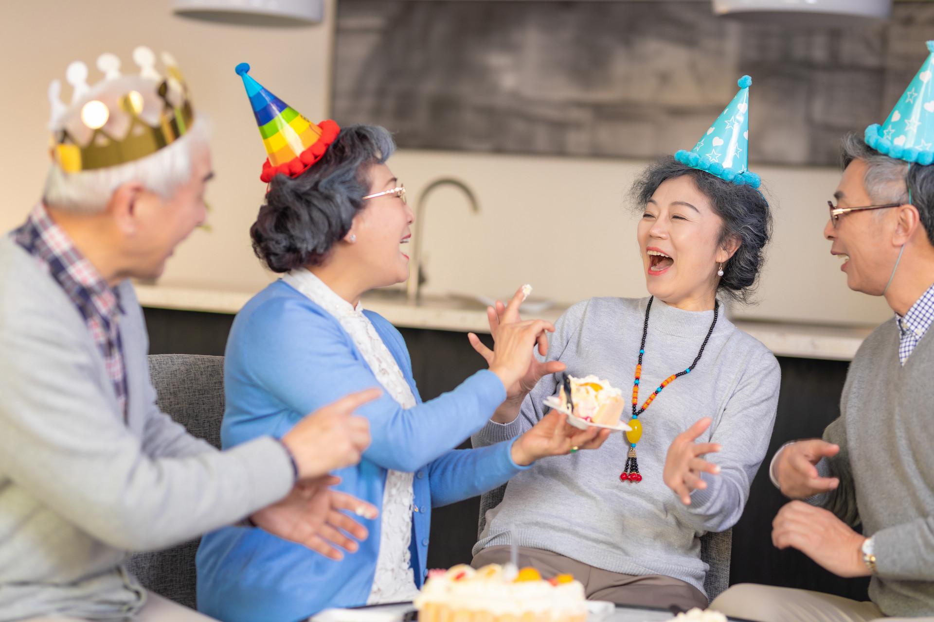 长寿的关键?研究表明:自我感觉更年轻能缓解老年人的压力,防止健康恶化