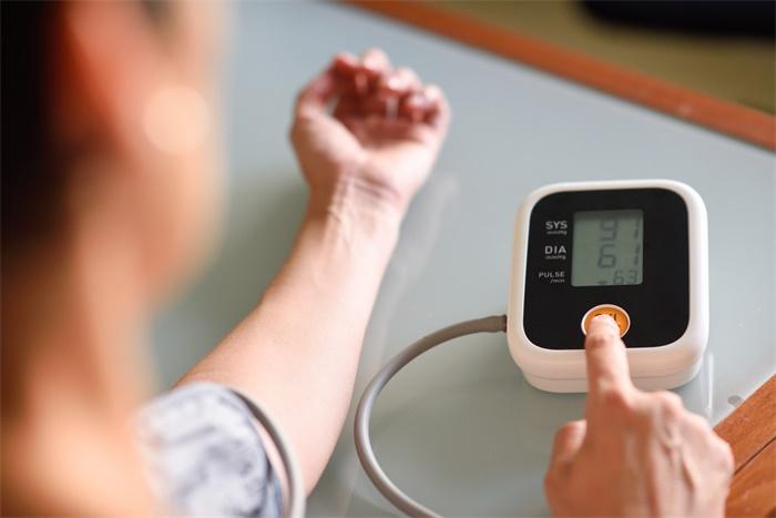 研究称:高血压会导致老年人记忆力下降和痴呆,服用降压药可出现逆转
