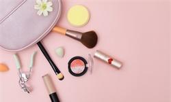 2021年中国<em>化妆品</em>行业市场规模及销售渠道分析 <em>化妆品</em>电商渠道销售规模逐年上升
