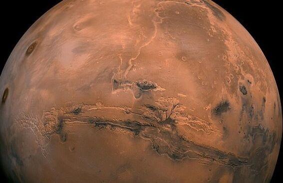 最新!NASA轨道飞行器传回3张火星照片:地质构造和特征让人惊叹