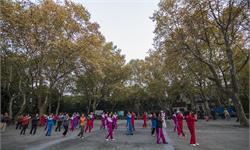 舞出健康!研究发现:女性跳广场舞可有效降低胆固醇水平