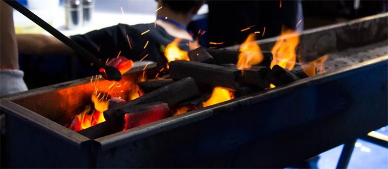 """科学家警告!几乎所有的煤炭都""""不可开采"""",90%的储备需留在地下"""