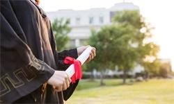 双非高校招辅导员竟要求博士学历,需科研、行政能力全才