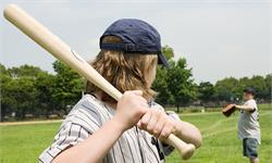 棒球飞出的瞬间,棒球员是如何作出决定的?