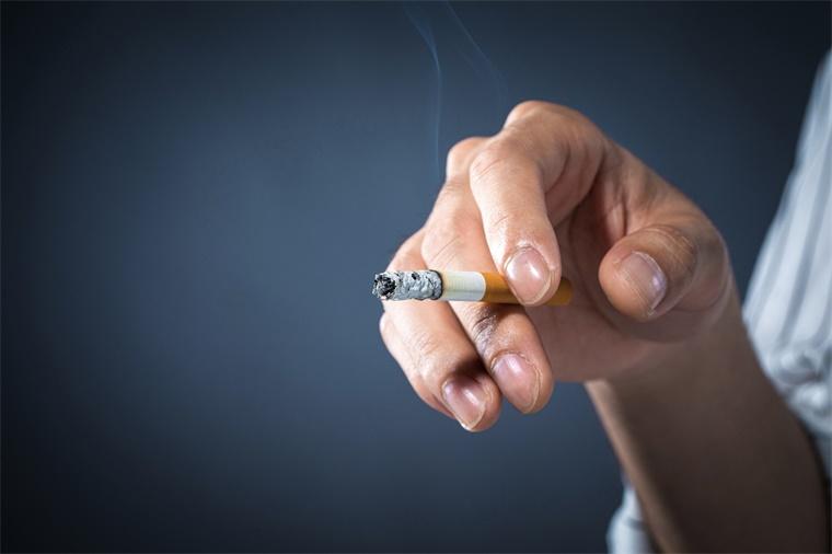 烟草和酒精可能导致非法药物的使用,其因果关系也可逆转