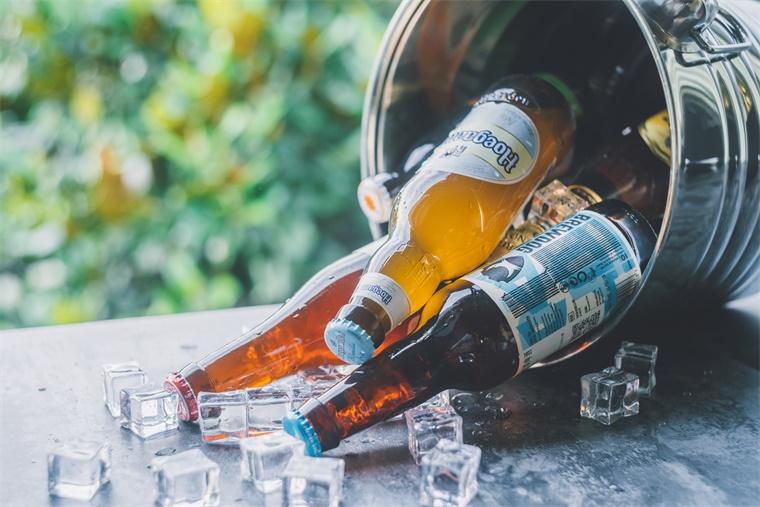 科学家在古人类的粪便中有了惊人发现:2700年前欧洲人就开始喝啤酒、吃奶酪了!