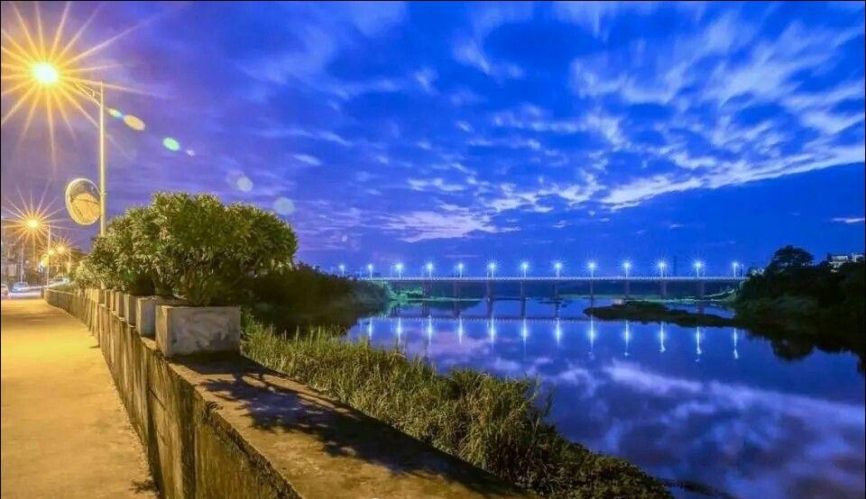 深圳在左,棉湖在右